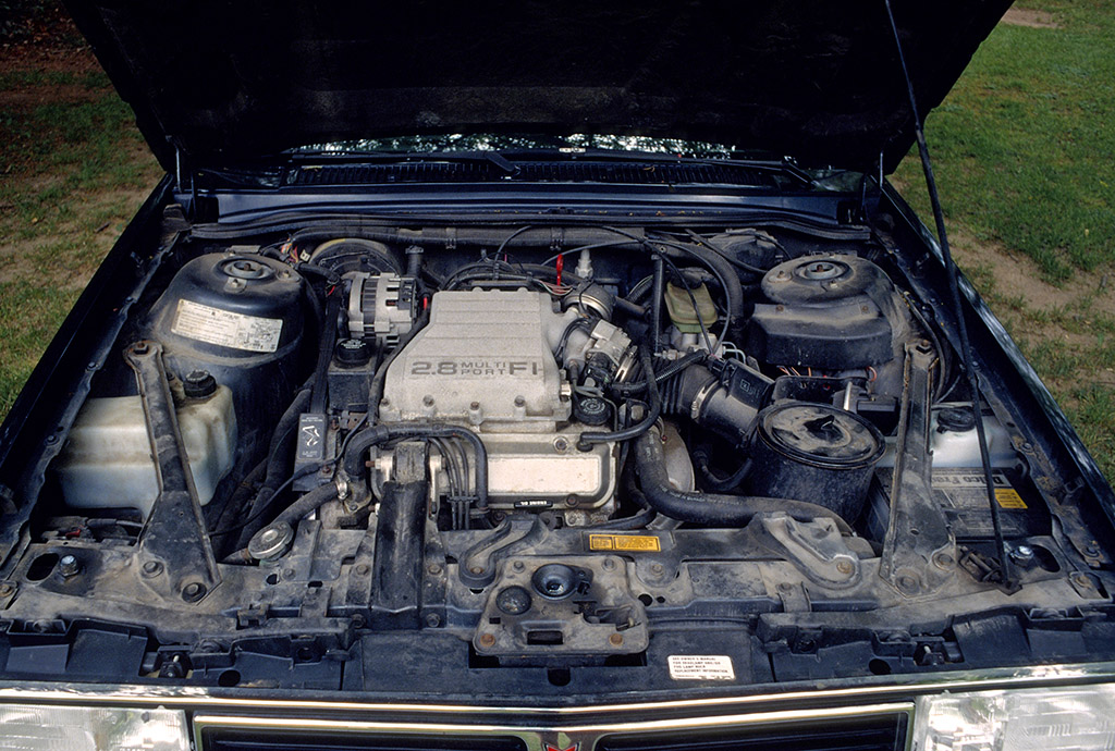 2.8L fuel-injected V6 engine