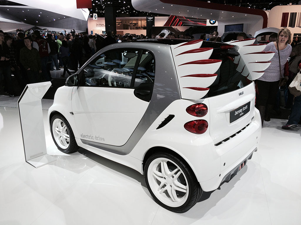 smart car with angel wings