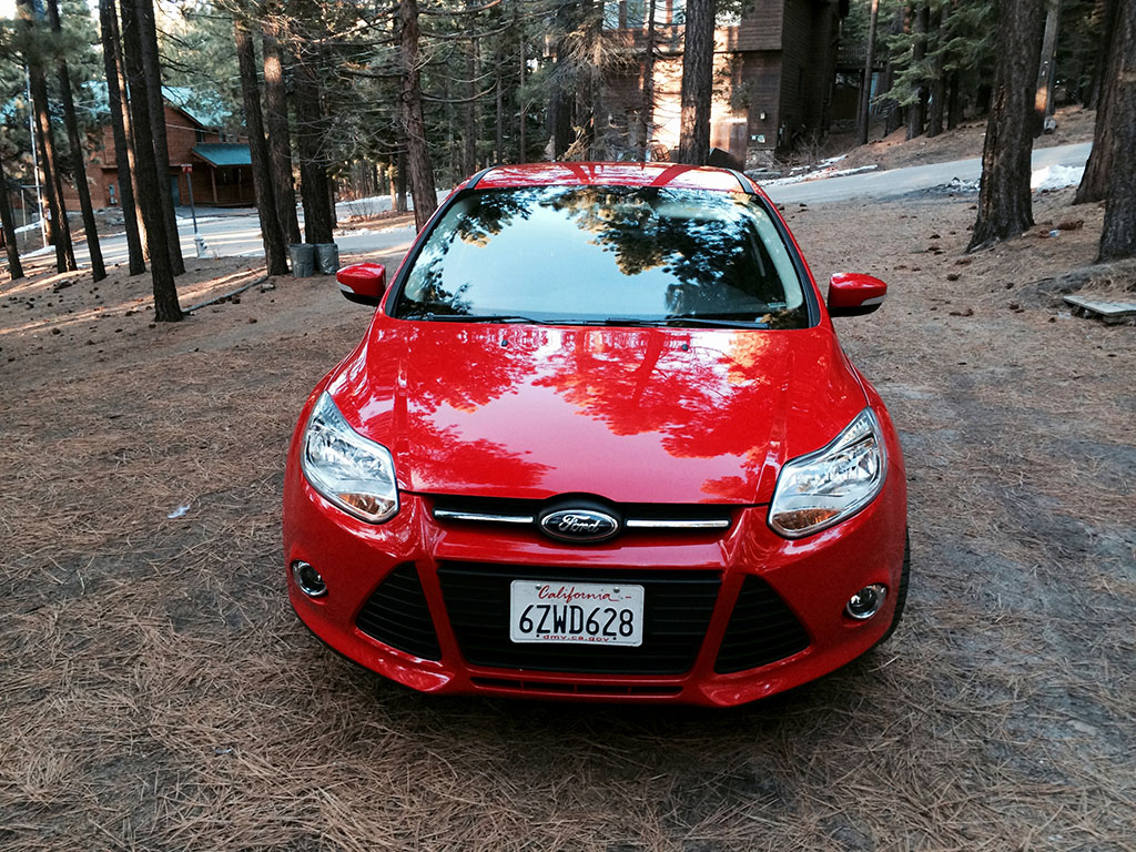 Ford Focus SE front view