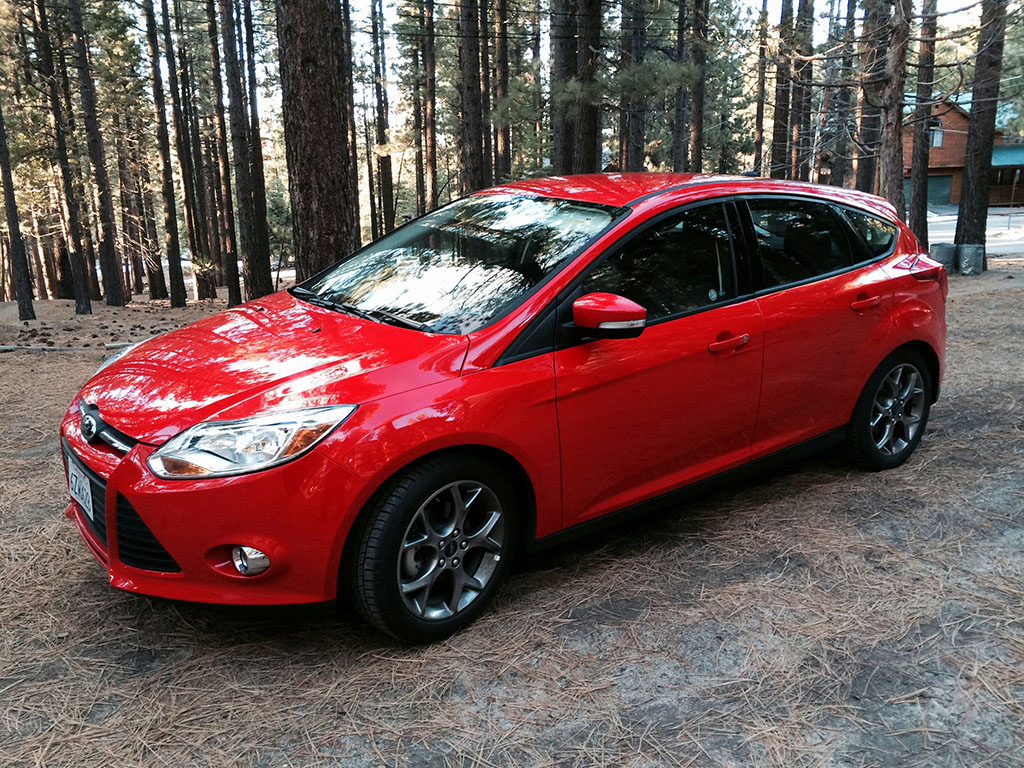 review 2013 ford focus se hatchback. Black Bedroom Furniture Sets. Home Design Ideas