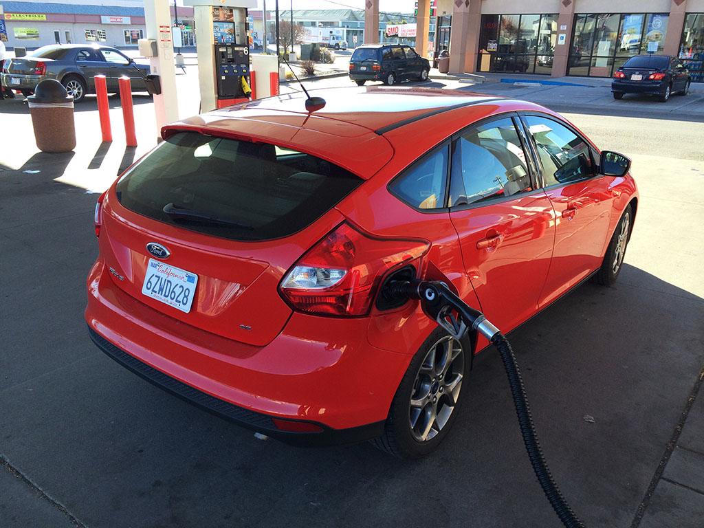 ford focus gas mileage