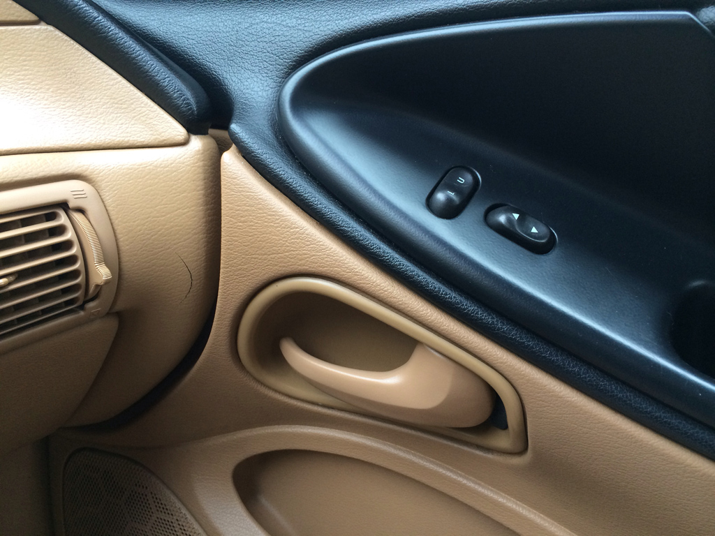 1996 ford mustang gt interior door handle