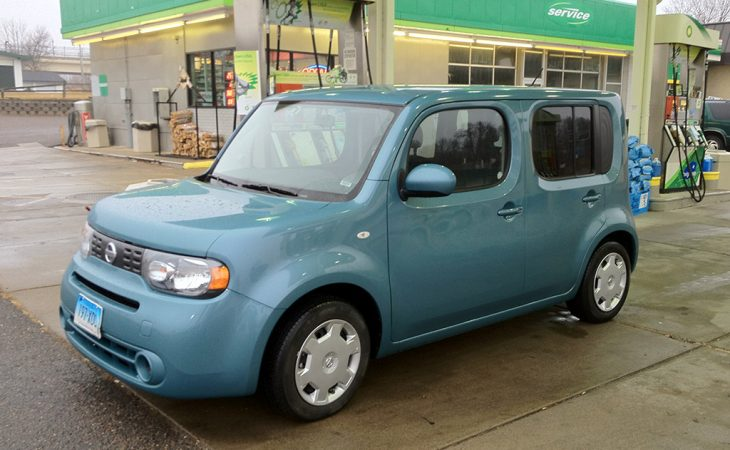 2011 nissan cube at the gas station