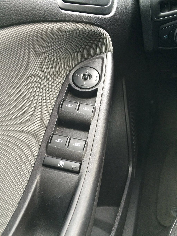 Drivers side door controls