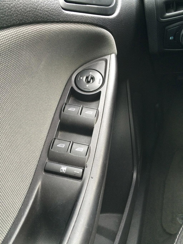 Review 2013 Ford Focus Sedan Driveandreview