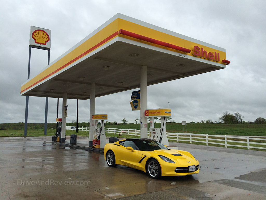 yellow 2015 corvette shell gas station