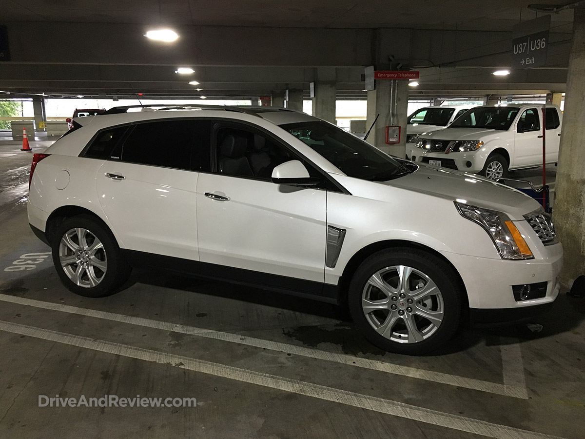 cadillac SRX side view