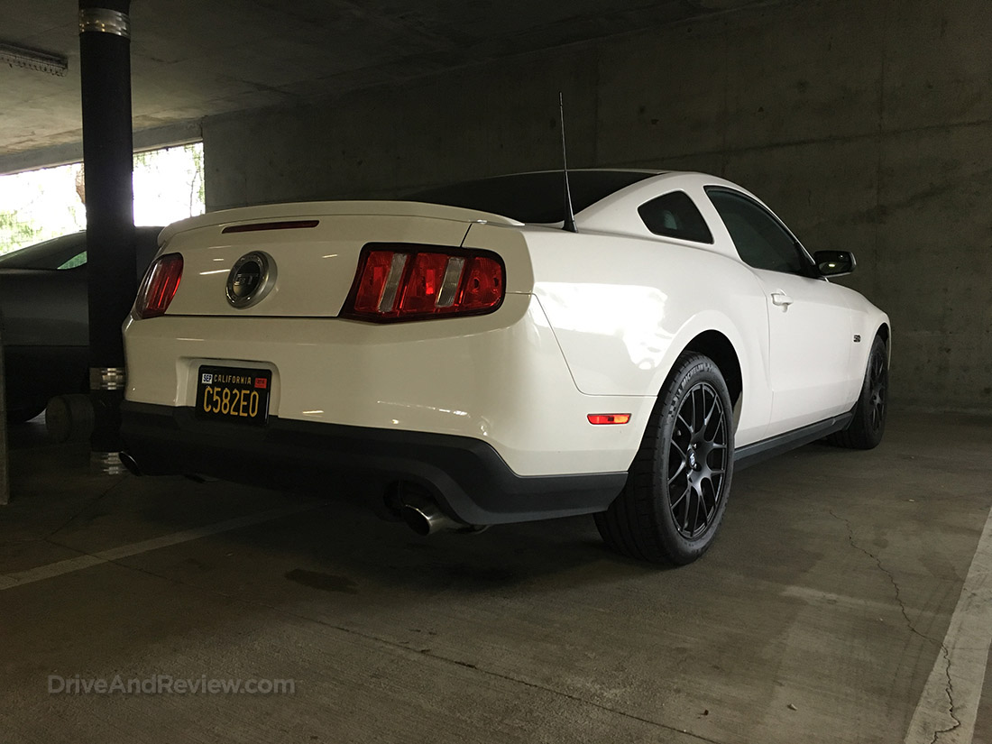 2012 mustang gt rear view