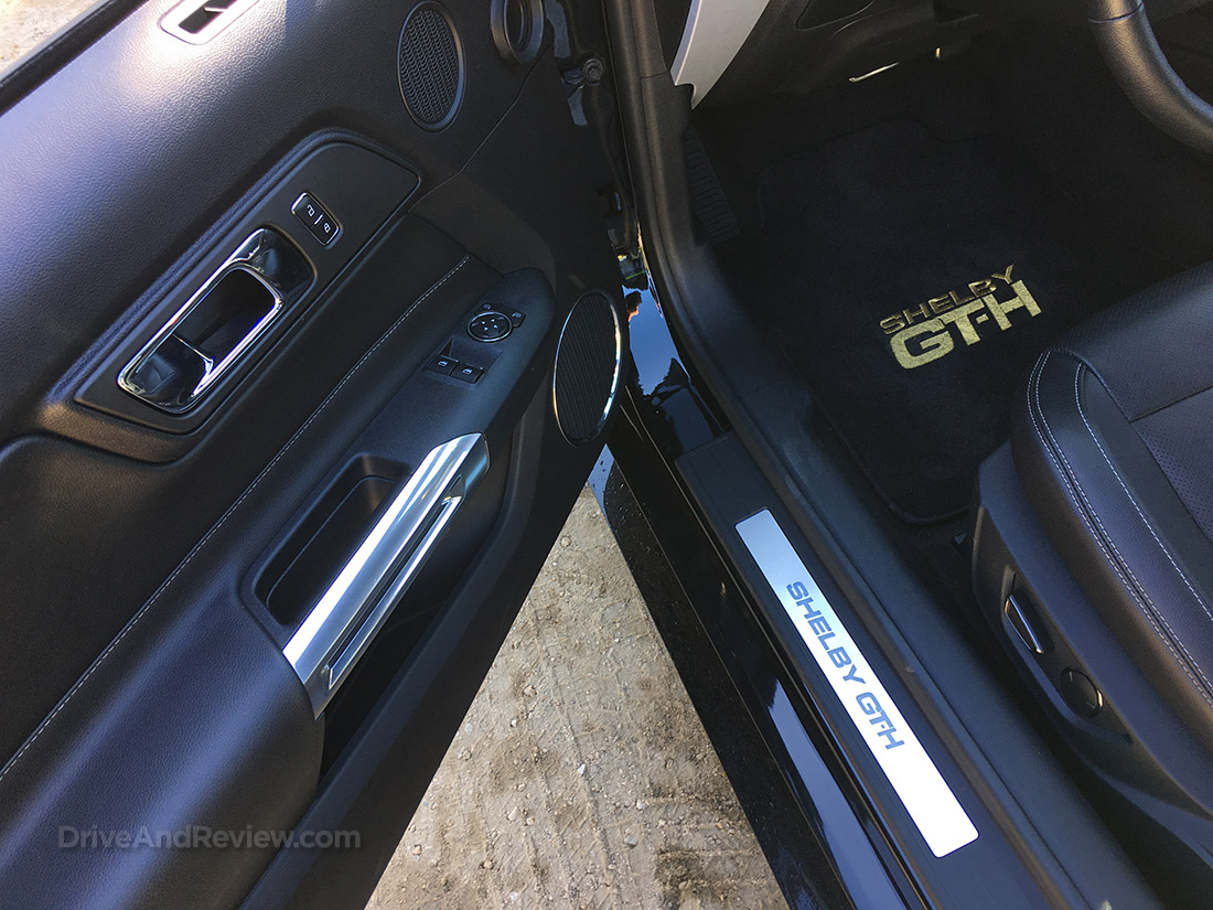 2016 Hertz Shelby GT-H door sill