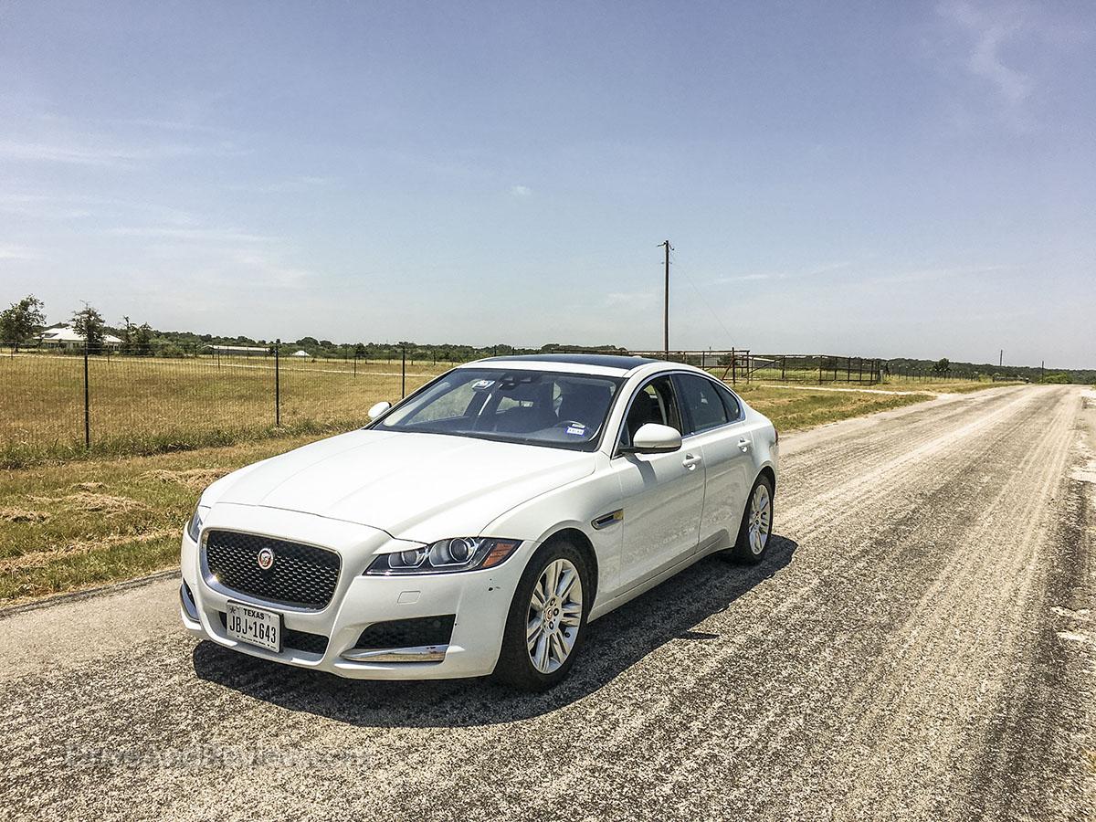 2018 Jaguar XF review pics