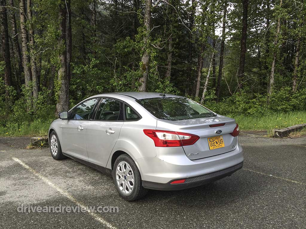 2013 silver Ford Focus sedan