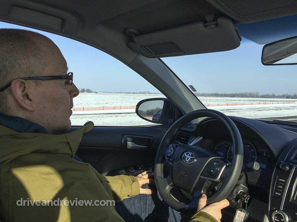 DriveAndReveiw driving a 2013 Toyota Camry